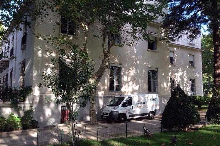 embajada francia madrid contrata a Hogar Seco